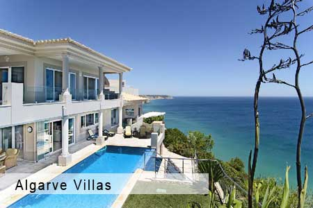 Algarve holiday villa with pool and sea view