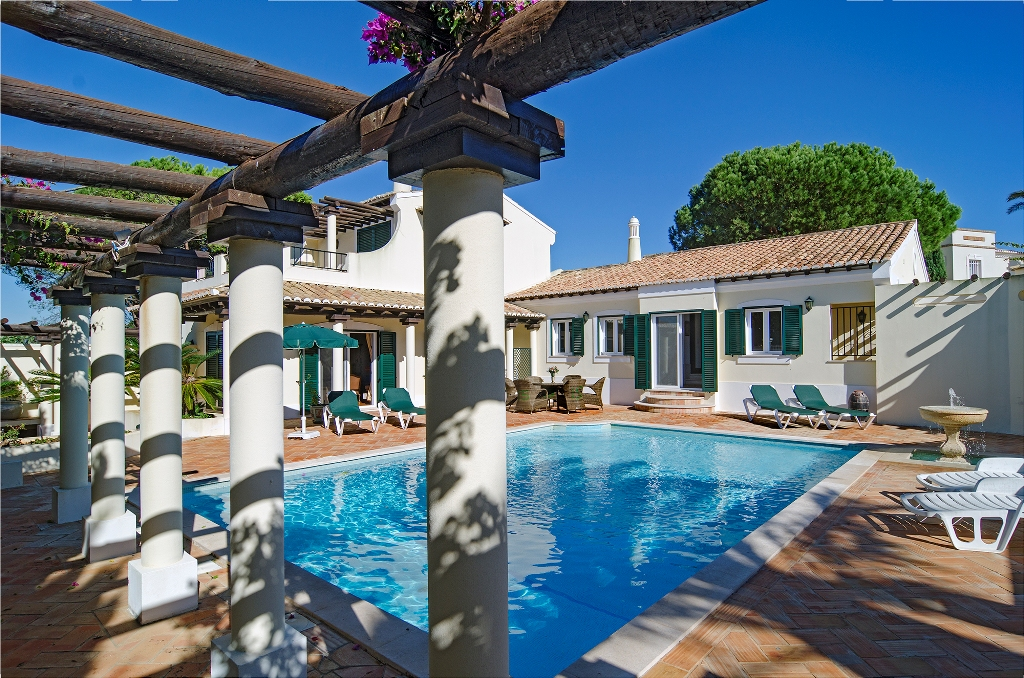 Holoday villa Rosa Emilia at Boa Vista golf club, sleeps 6, private pool, greenfee discount, Lagos, Western Algarve, Portugal